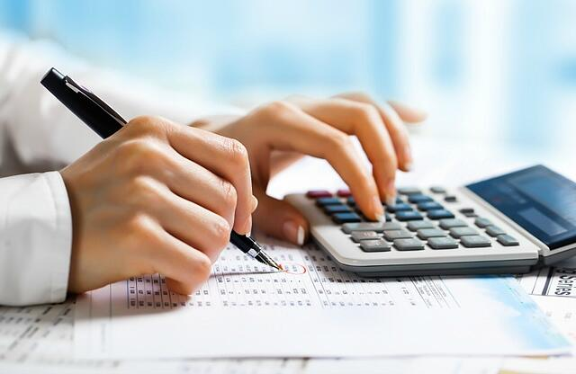 managing_your_expenses_when_buying_a_home_blog.jpg