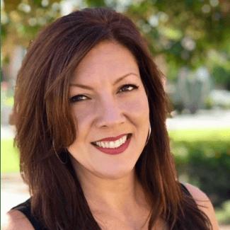 Mia Gilli, Loan Advisor