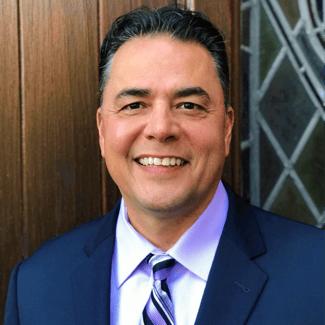 Tom Fernandez, Sales Manager