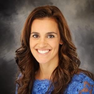 Denise Maciel, Sales Manager