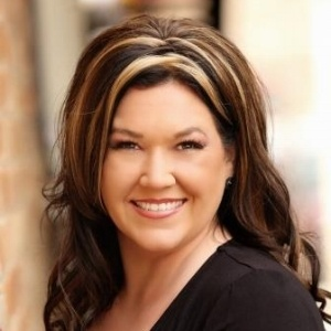 Jennifer Jones, Branch Manager