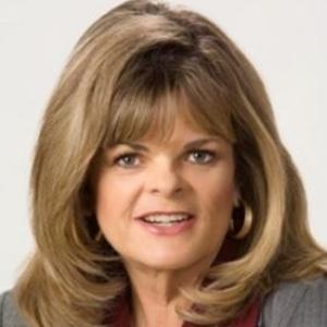 Julie Mackay, Loan Advisor