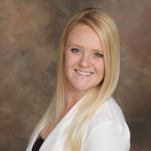 Maryann Pierscinski, Loan Officer